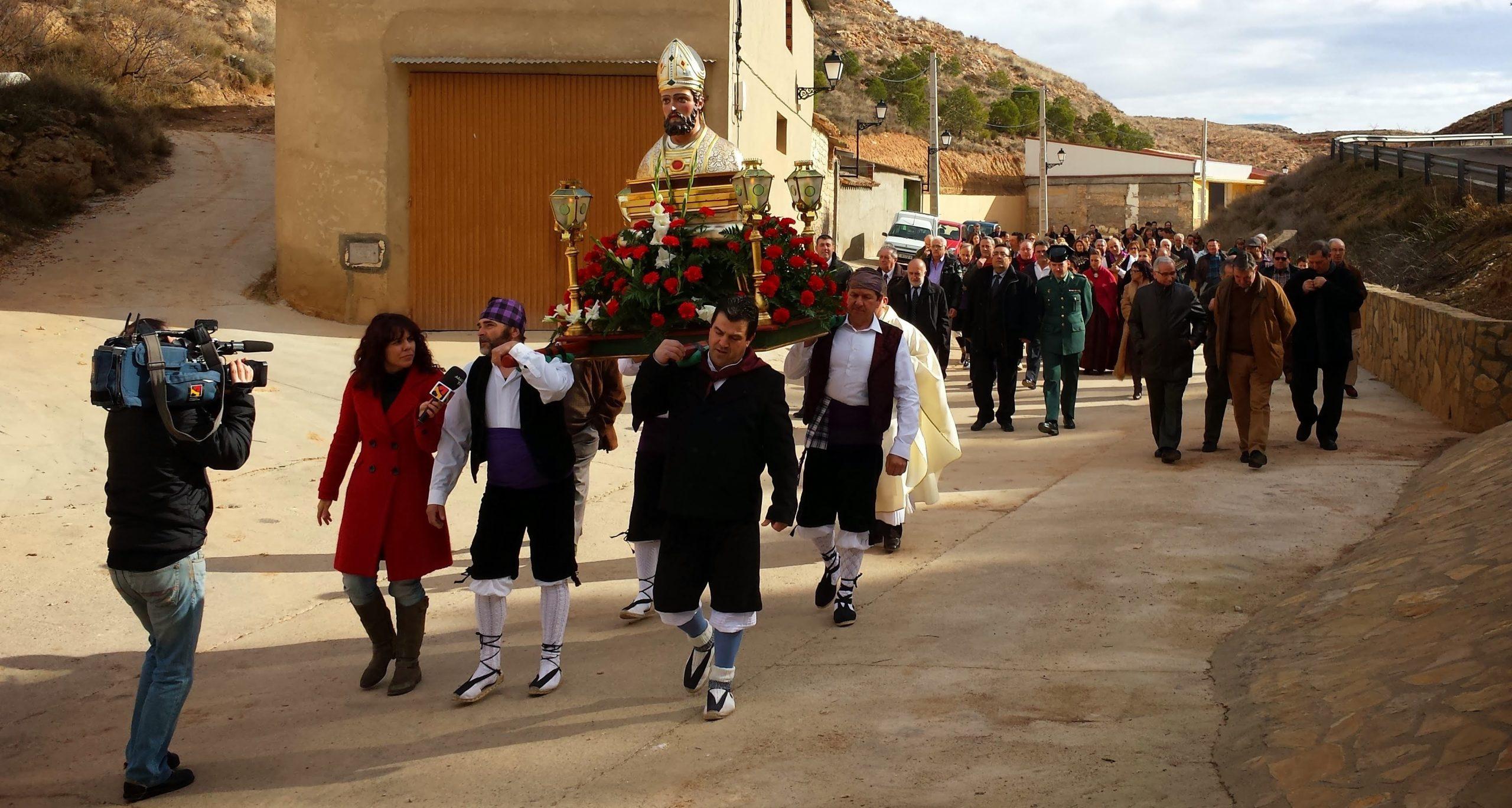 Aragón en Abierto (Aragón TV) cubre la procesión de 2014. >> Pincha para verla en la galería.